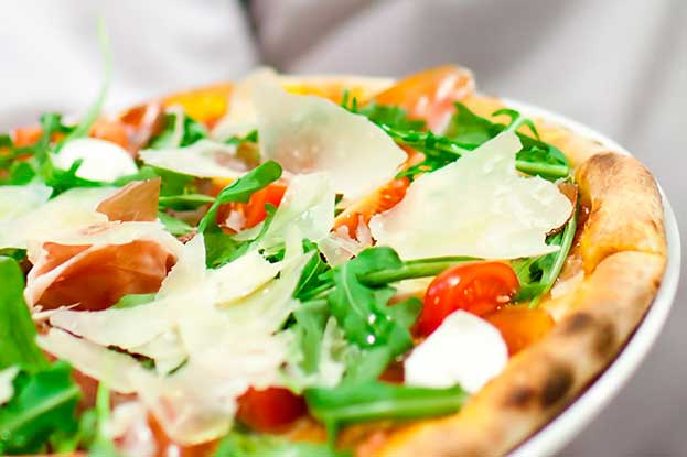 intrenational franchising pizza